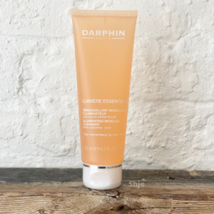 LUMIERE ESSENTIELLE MICELLAR CLEANSER